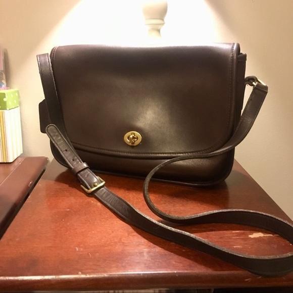 c90be0cc632b Coach Handbags - Vintage Coach City Bag
